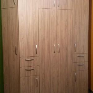 Спалня от ЛПДЧ в цвят сиво дърво