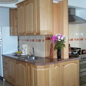 Кухня от Масив Дъб в естествен цвят