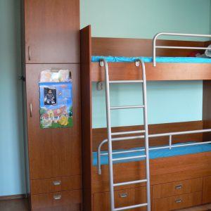 Детска стая от ЛПДЧ в цвят череша
