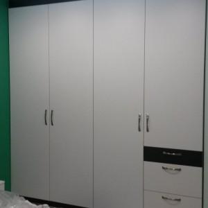 Спалня от ЛПДЧ в цвят бяло и графит