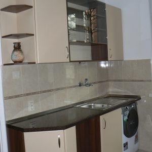 Кухня от МДФ лак в цвят бежаво